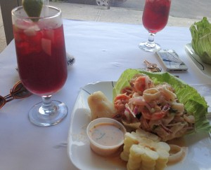 ceviche mixto. Cynthia Via